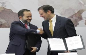 INE y Tec de Monterrey firman convenio para conteo de votos desde el extranjero