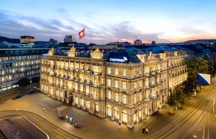 Los dos bancos más grandes de Suiza podrían fusionarse