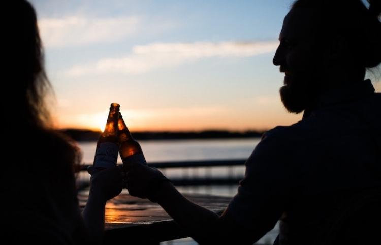 Tomar cerveza tras el trabajo reduce el estrés, dice la ciencia