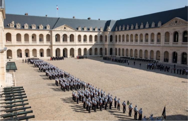 Paris celebró 209 años del Cuerpo de Bomberos