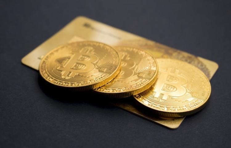 El bitcóin marca otro récord histórico al superar los 62.000 dólares