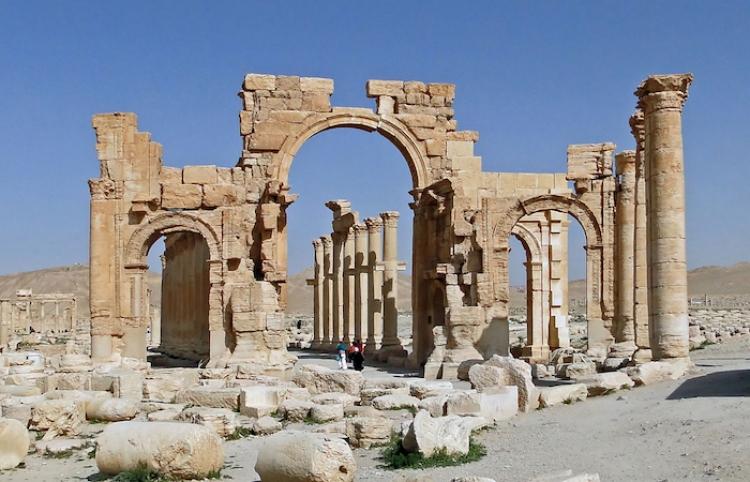 En Siria empiezan preparativos de la reconstrucción del Arco de Triunfo de Palmira