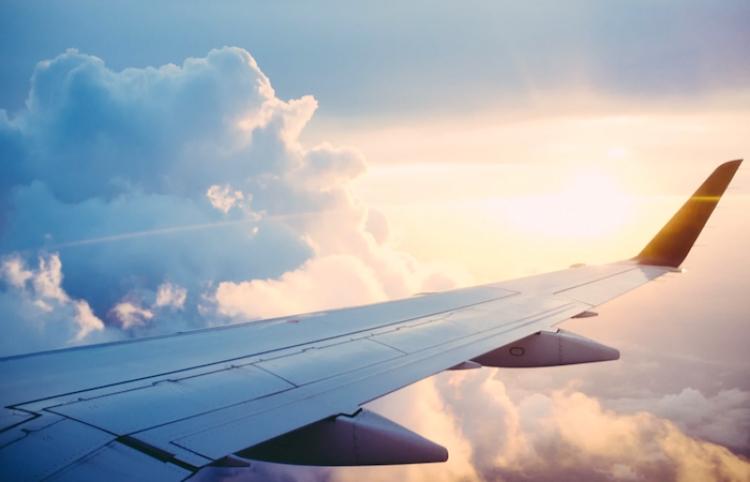 Aerolíneas internacionales cancelan vuelos a Tel Aviv ante la creciente violencia