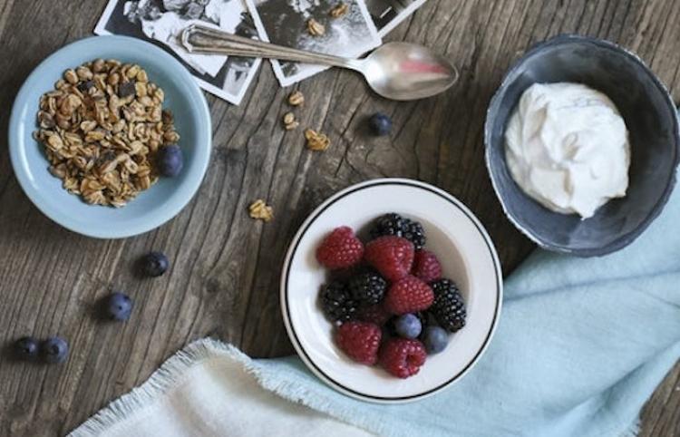 Tomar yogurt puede disminuir riesgo de desarrollar cáncer: estudio